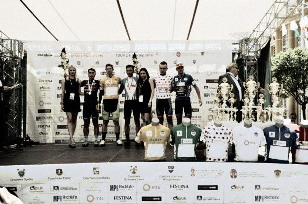 Filipo Fortini u žutom nakon prve etape 56. Trke kroz Srbiju